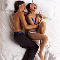 Секс в стиле тиклинг. Щекочи до оргазма